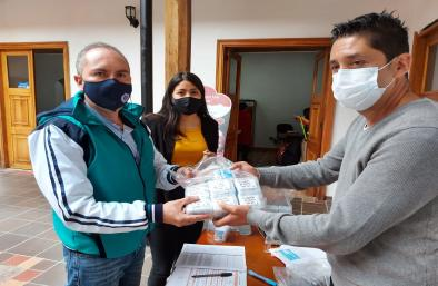 Alcaldía entregó más de 9 mil sim card a rectores de 25 instituciones educativas públicas de Pasto