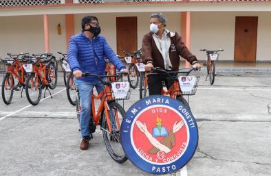 Alcaldía de Pasto llegó a la I.E.M. María Goretti para seguir con la entrega de bicicletas y promover el uso de los medios alternativos de transporte
